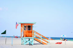 De post van de badmeester op het strand Stock Foto
