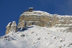 De post van de Birgkabelwagen, 2970 meters boven overzees - niveau in Interlaken, Zwitserland Stock Foto's