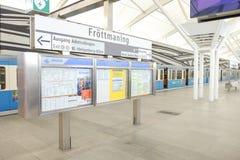 De post van de Fröttmaningsmetro Stock Fotografie