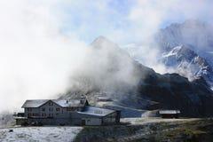 De post van de heuvel bovenop Zwitserse alpen Royalty-vrije Stock Afbeelding