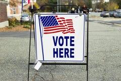 De Post van het verkiezingsstemlokaal Stock Foto