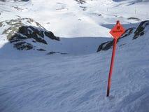 De post van het wintersportenteken voor vrij berijdend spoor Stock Foto's
