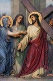 de 4de Posten van het Kruis, Jesus ontmoet Zijn Moeder stock afbeeldingen