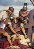 de 9de Posten van het Kruis, Jesus valt de derde keer royalty-vrije stock foto