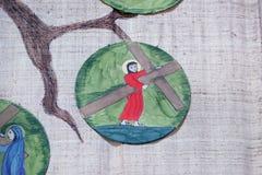 de 2de Posten van het Kruis, Jesus wordt gegeven zijn kruis Royalty-vrije Stock Fotografie