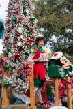 De Postkamervlotter van de kerstman in Disneyland Parade Stock Foto