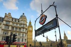 De postteken van de Big Ben en van Westminster, Londen Stock Foto's