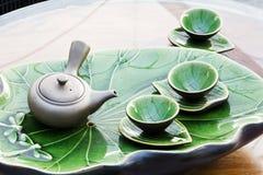 De pot en de koppen van de thee Royalty-vrije Stock Afbeeldingen