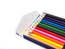 De potloden allen kleuren de witte achtergrond Stock Fotografie