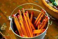 De potloden van de emmer o Royalty-vrije Stock Foto