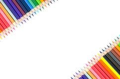 De potloden van de kleur die op witte achtergrond worden geïsoleerdu Stock Afbeeldingen