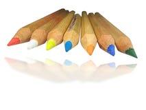 De potloden van de kleur met geïsoleerden schaduw Stock Fotografie