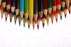 De potloden van de kleur op witte achtergrond Stock Afbeeldingen