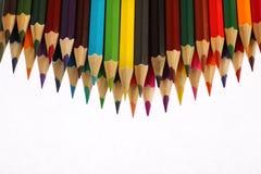 De potloden van de kleur op witte achtergrond Royalty-vrije Stock Fotografie