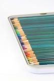 De potloden van de kleuring in tin Royalty-vrije Stock Foto's