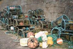 De potten en de boeien van de zeekreeft. Stock Fotografie
