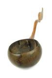 De potten van de waterklei en kokosnotenshell gietlepel/Thais aardewerk Stock Foto