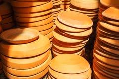 De pottenschotels van de terracottabloem Stock Afbeeldingen