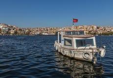 De prachtige Straat van Bosporus van Istanboel Turkije royalty-vrije stock fotografie