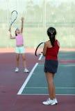 De praktijk van het tennis Stock Foto's