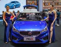 De presentators introduceren MG 3 auto royalty-vrije stock foto