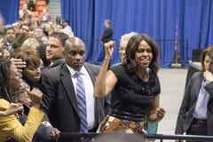 De presidentsvrouw Michelle Obama levert een toespraak Stock Foto