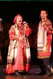 De prestaties op het stadium van de nationale volkszanger van Russische babkina van liederennadezhda en theater Russisch lied Royalty-vrije Stock Foto's