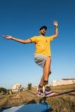 De prestaties van Andre antunes Slackline Royalty-vrije Stock Fotografie