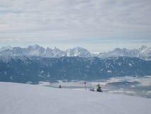 De pret van de ski in bergen Franse Alpen royalty-vrije stock fotografie