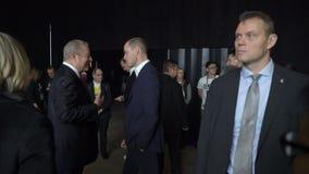 De prins William, Hertog van Cambridge, komt Al Gore Vice-President van de Verenigde Staten samen stock video