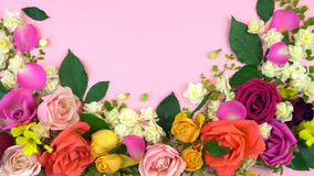 De printemps affichage floral à plat étendu au-dessus Photo stock
