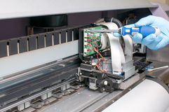 De printerdienst - reparatie Stock Afbeeldingen