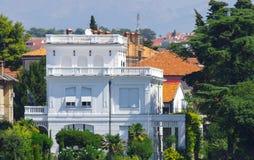 De privé bouw door de Adriatische kust in Kroatië stock fotografie