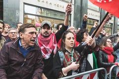 De pro-Palestijnse demonstratiesystemen betwisten de Joodse Brigade Stock Afbeeldingen