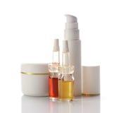 De producten van gezichts en lichaamsschoonheidsmiddelen stock afbeelding