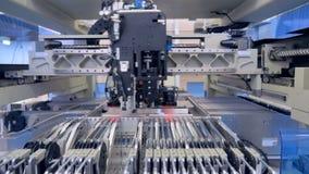 De productie van de microschakelingsspaander Micro-elektronicaproductielijn 4K stock footage