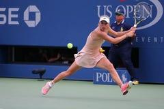 De professionele tennisspeler Caroline Wozniacki viert overwinning na derde ronde gelijke bij US Open 2014 Royalty-vrije Stock Afbeeldingen