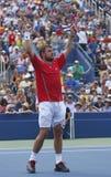 De professionele tennisspeler Stanislas Wawrinka viert overwinning na derde ronde gelijke bij US Open 2013 Stock Foto's