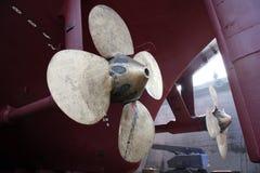 De propeller van het grote schip in scheepswerf Royalty-vrije Stock Afbeeldingen