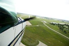 De propeller van het vliegtuig het bewegen zich Stock Afbeeldingen