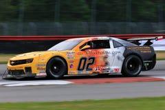 De proraceauto van Chevrolet Camaro op de cursus Stock Afbeeldingen