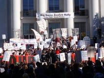 De protesteerders verzamelen op UC Berkeley royalty-vrije stock afbeelding