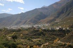 De provincie daocheng natuurlijk landschap van Sichuan van China stock afbeeldingen