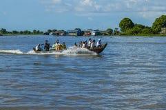 De provincie van Kampongchhnang de het huis dichtbij kongrie berg van de makongrivier in koninkrijk van Kambodja dichtbij de gren Stock Foto's