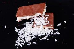 De pulp van Coco Isolatie op de zwarte achtergrond Smakelijk voedsel stock foto's