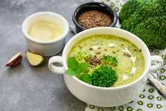 De puree van de broccolisoep stock foto