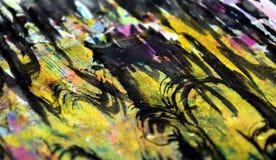 De purpere gouden hypnotic golvenplonsen, kleurrijke levendige wasachtige kleuren, stelt creatieve achtergrond tegenover elkaar Stock Foto
