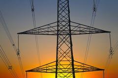 De pylonen van de elektriciteit Stock Fotografie