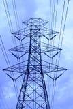 De pyloon van de hoogspanningselektriciteit Stock Foto's