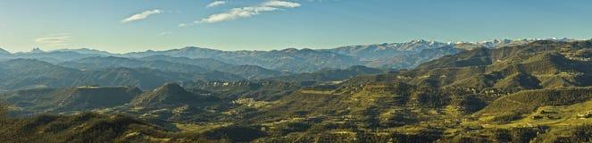 De Pyreneeën en Pyrenean uitlopers Stock Foto's